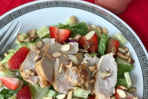 Strawberry Salad with Grilled Chicken and Strawberry Balsamic Vinaigrette  #FLStrawberry #SundaySupper