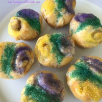 Easy Mini King Cake Bites