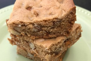 Cinnamon Pecan Bars  #BackToSchool