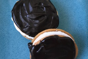 Homemade Moon Pies  #DarkRecipes
