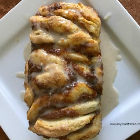 Easy Pumpkin Spice Pull-Apart Bread with Cinnamon Vanilla Glaze
