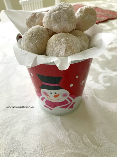 A cute way to gift peppermint snowball cookies.