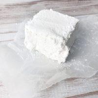 Homemade Vanilla Bean Marshmallows