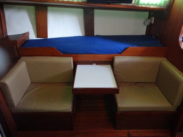 starboard-settee-table-raised
