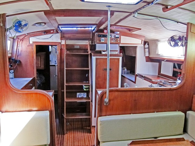 saloon-view-aft-to-galley-and-nav-station_2039