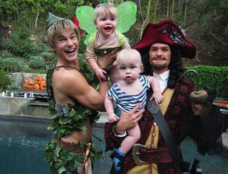 Neil-Patrick-Harris-family-costumes
