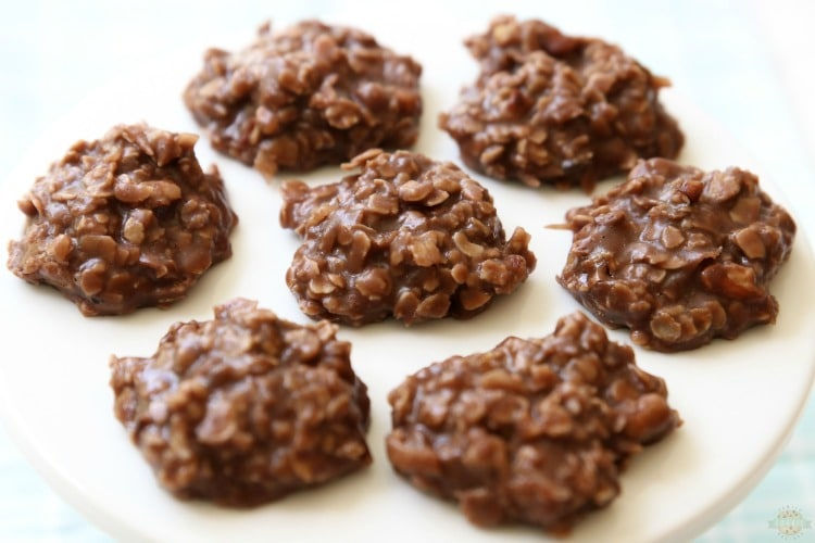 Easy No Bake Cookiesare simple, oatmeal chocolate cookies that don't require baking time! I've tried many & this peanut butter no bake cookies recipeis the absolute BEST.