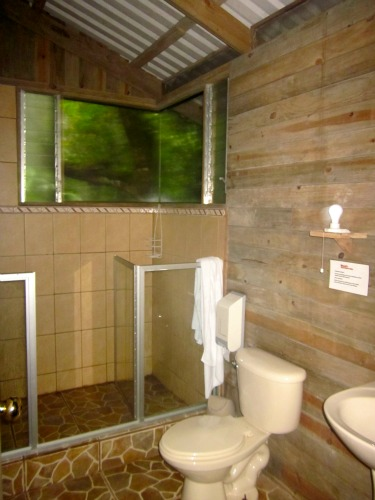 showering in the rainforest at Espino Blanco, Costa Rica / Family Focus Blog
