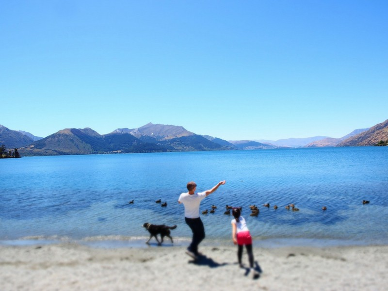 Lake Wakatipu Father Daughter Skipping Stones