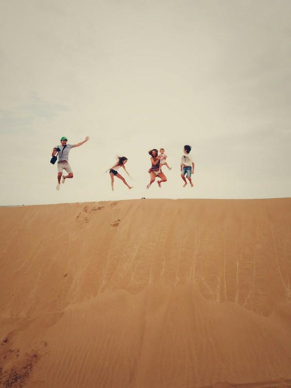Blended family of 5 jumping sand dunes