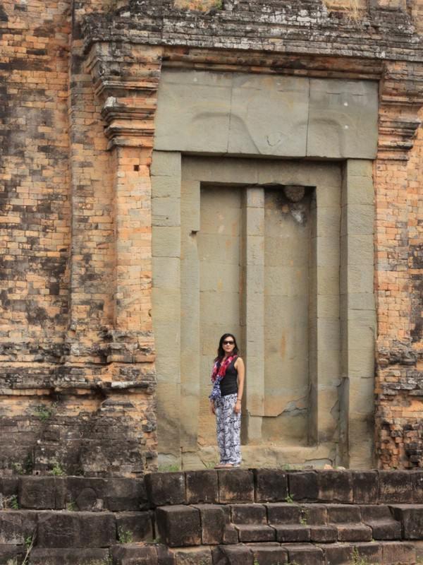 Angkor Siem Reap Woman