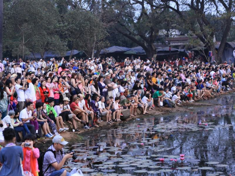 Angkor Wat Sunrise Crowds