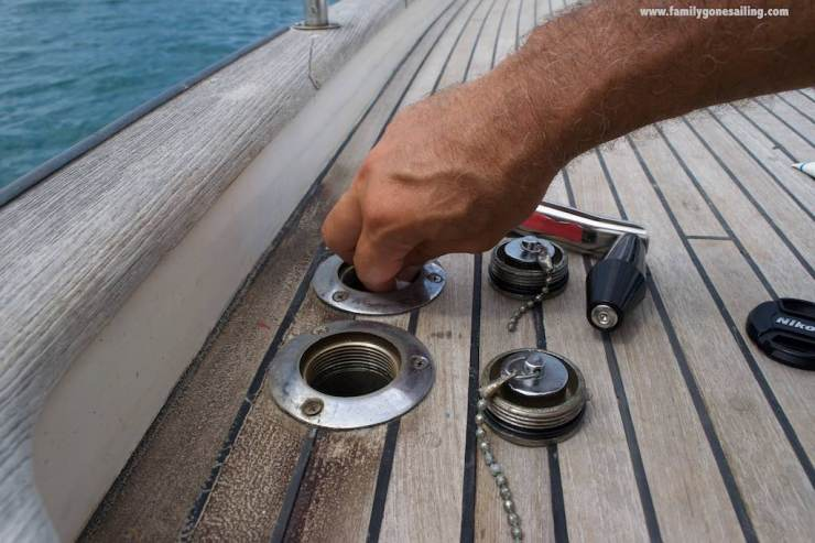 Sealing the fuel caps on deck to prevent water intake