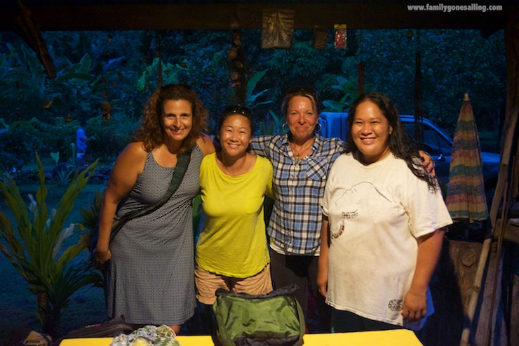 From left to right: Adriana (sv Pesto), Miriam (sv Enough), Jude (sv Sarita) and our host Ku'a (Marquesan farm)