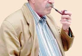 التدخين : الجاني و المجني عليه هو أنت عزيزي المدخن .