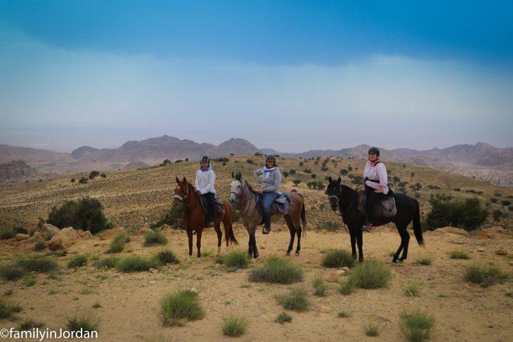 nous 3 cheval