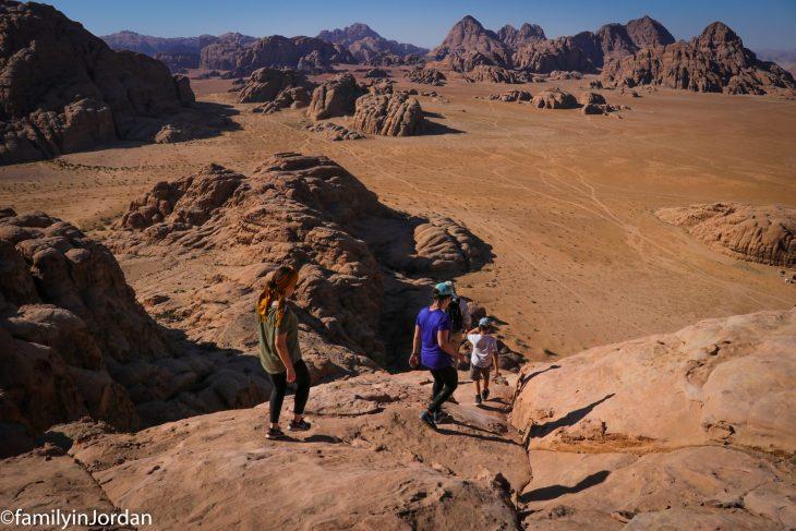 descente arche burdah wadi rum jordanie