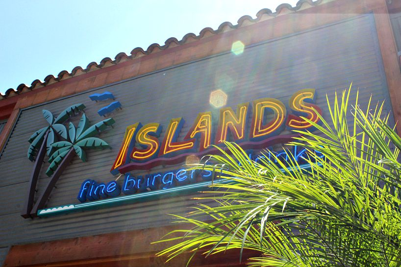 summertime-specials-at-islands-burgers