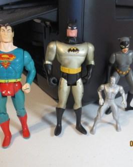 Vintage 1989 & 1993 DC Batman Catwoman & Superman action figures + bonus