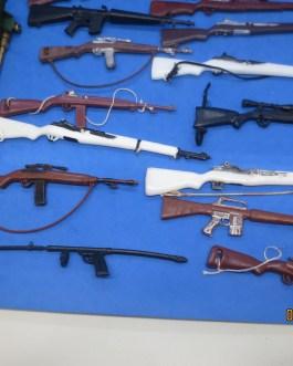 VINTAGE 1964 GI JOE HASBRO RIFLE GUN LOT with BAZOOKA