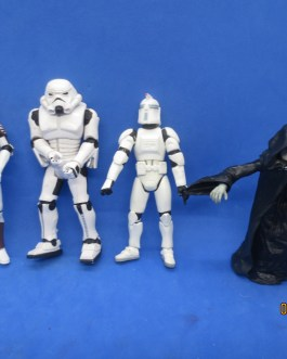 4 piece lot Star Wars Stormtrooper clonetrooper army builders lot with Emperor
