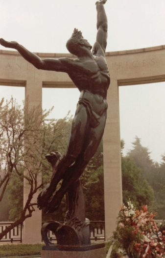 memorial-to-american-soldiers-normandy