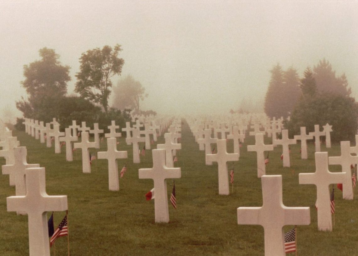us-soldiers-cemetery-at-normandy
