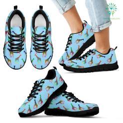 Kids Giraffe Sneakers. %tag familyloves.com