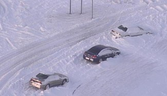 cars stranded in snow roadside emergency