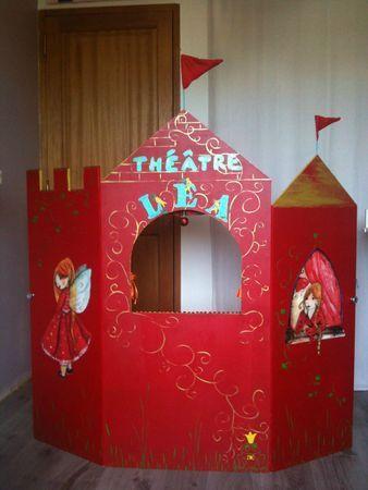 Teatro de guiñol  con forma de castillo