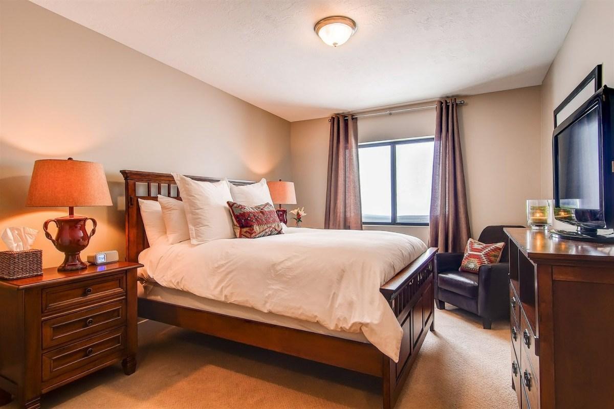Snowpine Lodge rooms