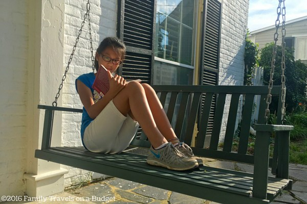 25-e-main-front-porch-swing