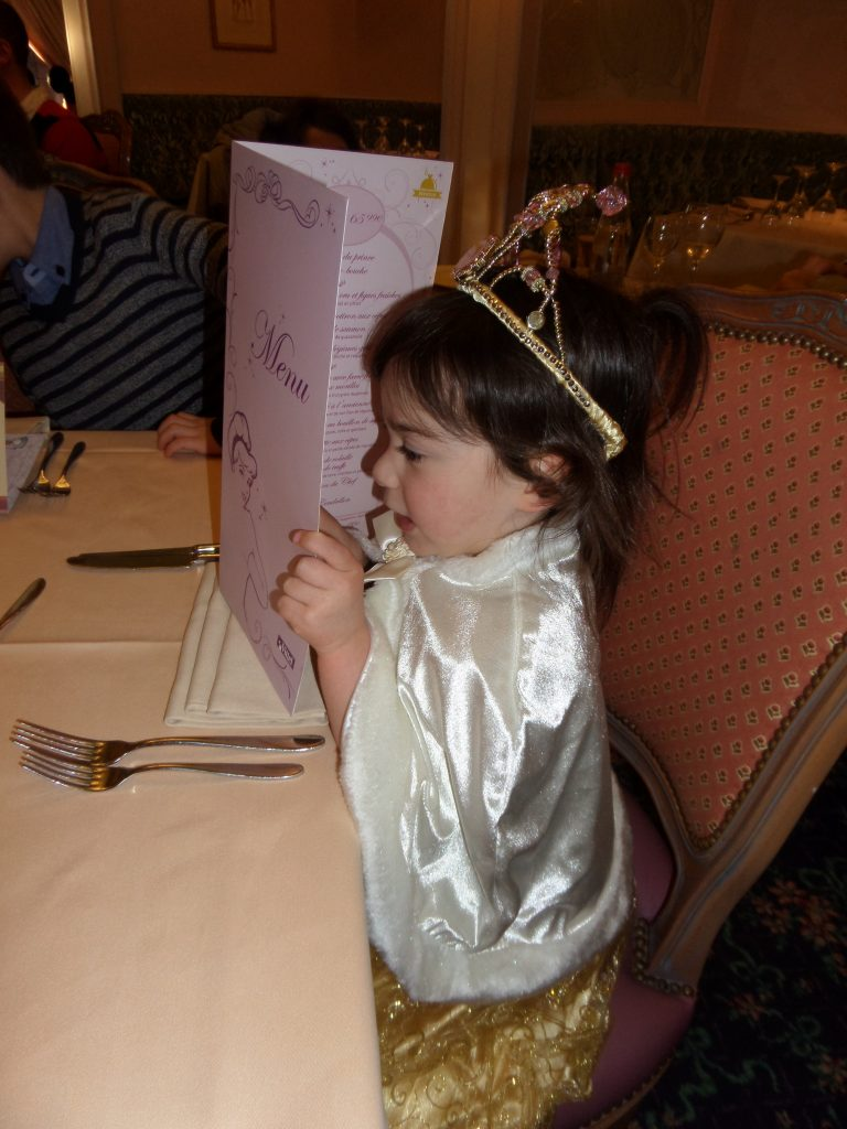 Character dining Disneyland Paris