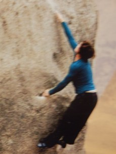 Louise bouldering