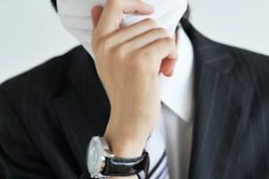 花粉症、男性マスク