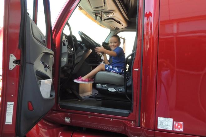 niki cummins camion