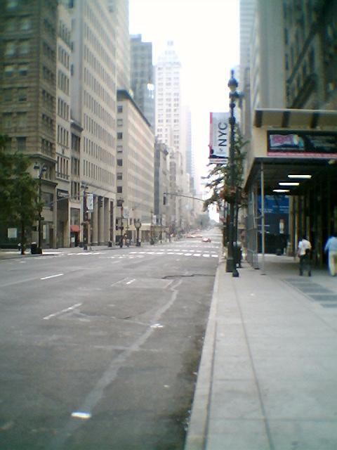 Fifth Avenue and 42nd Street on a Sundaymorning