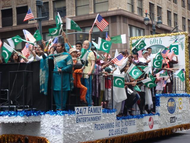 Pakistan Day Parade - floats1
