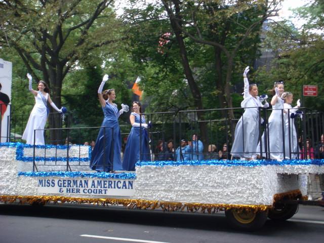 20070915-steuben-parade-09-miss-german-american.jpg