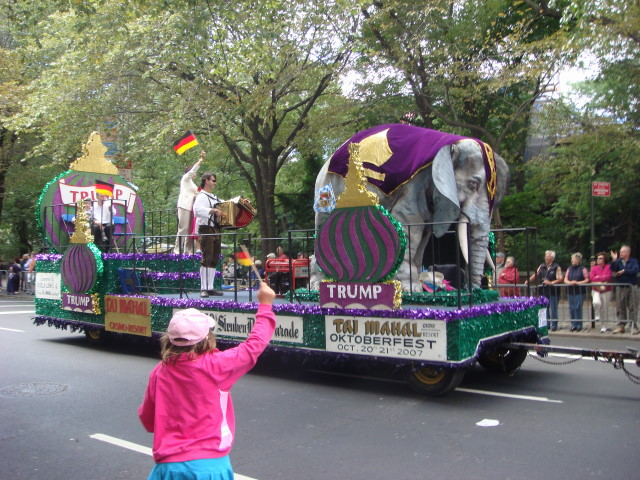 20070915-steuben-parade-21-trump-float.jpg