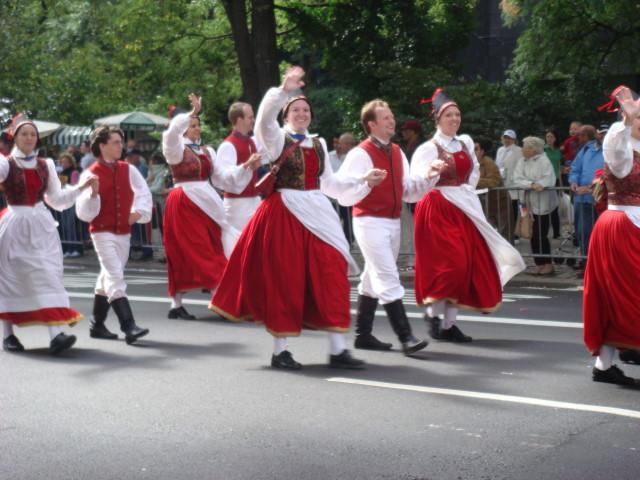 20070915-steuben-parade-45-traditional-dress.jpg