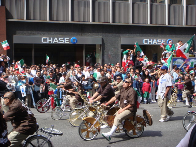 20070916-mexican-day-parade-23-lowrider-bicycle.jpg