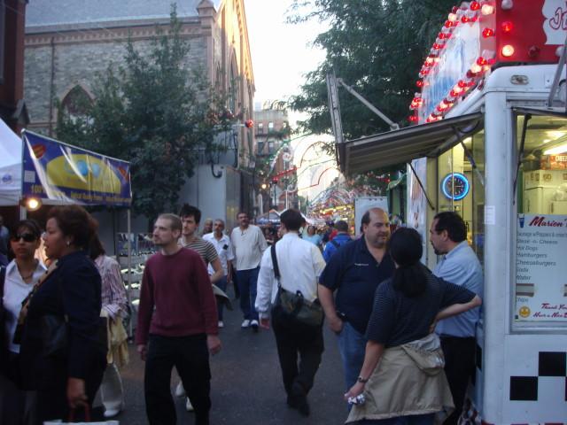 20070919-feast-of-san-gennaro-07-street.jpg