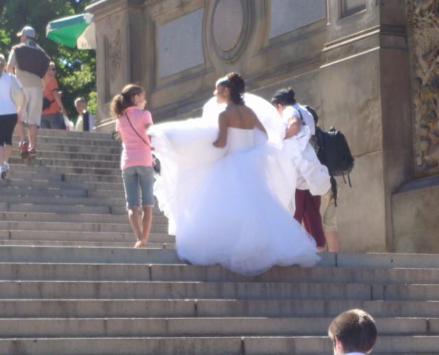 20070923-central-park-36-bride-climbing-bethesda-terrace-stairs.jpg