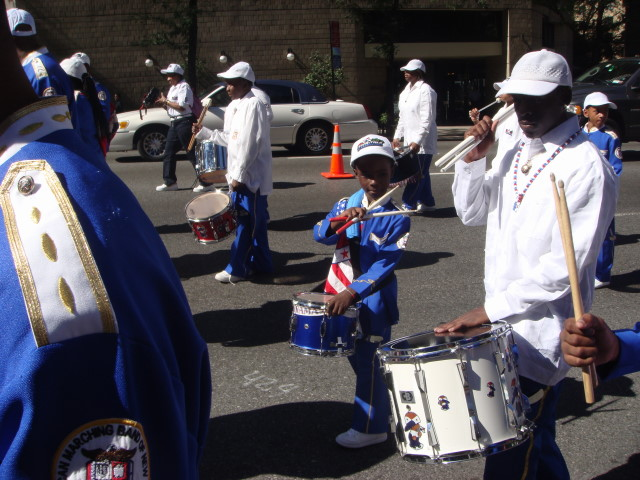 20070929-nigerian-parade-12-marching-band-drummer.jpg