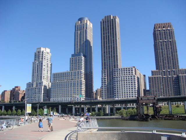 20070923-upper-west-side-38-trump-place-from-end-of-pier.jpg