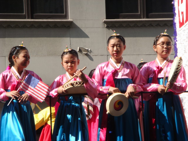20071006-korean-parade-31-four-different-attitudes.jpg