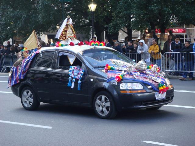 20071014-hispanic-columbus-day-15-argentina-car.jpg