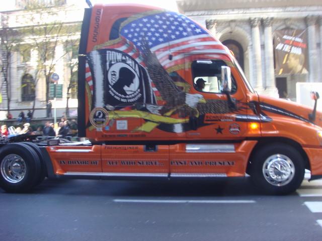 20071111-veterans-day-parade-08-vet-truck.jpg