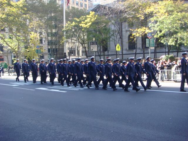 20071111-veterans-day-parade-61-coast-guard.jpg